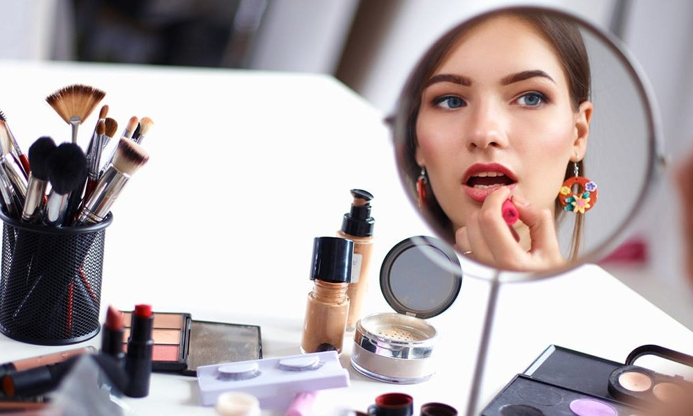 New tech  gadgets  gizmos  hi tech  The very best makeup mirrors you can purchase