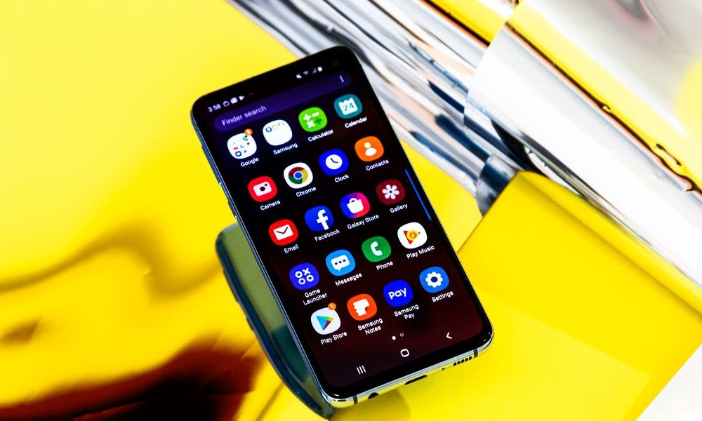 New tech  gadgets  gizmos  hi tech  Samsung's Galaxy S10e was one of the very best phones of 2019– and it seems like the sequel is going to be even much better in 2 important ways