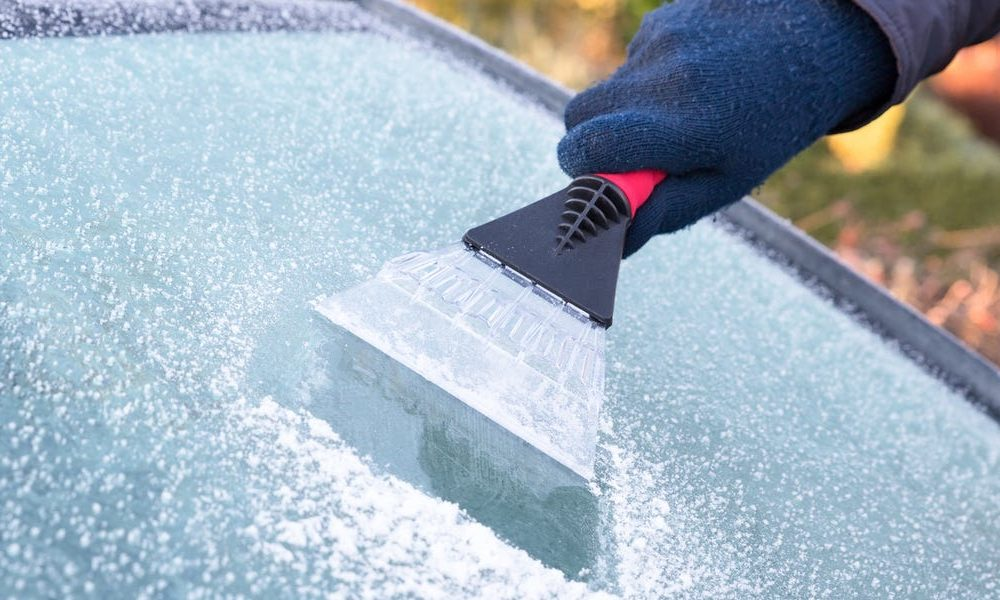 New tech  gadgets  gizmos  hi tech  The finest ice scrapers to keep your vehicle windshield tidy