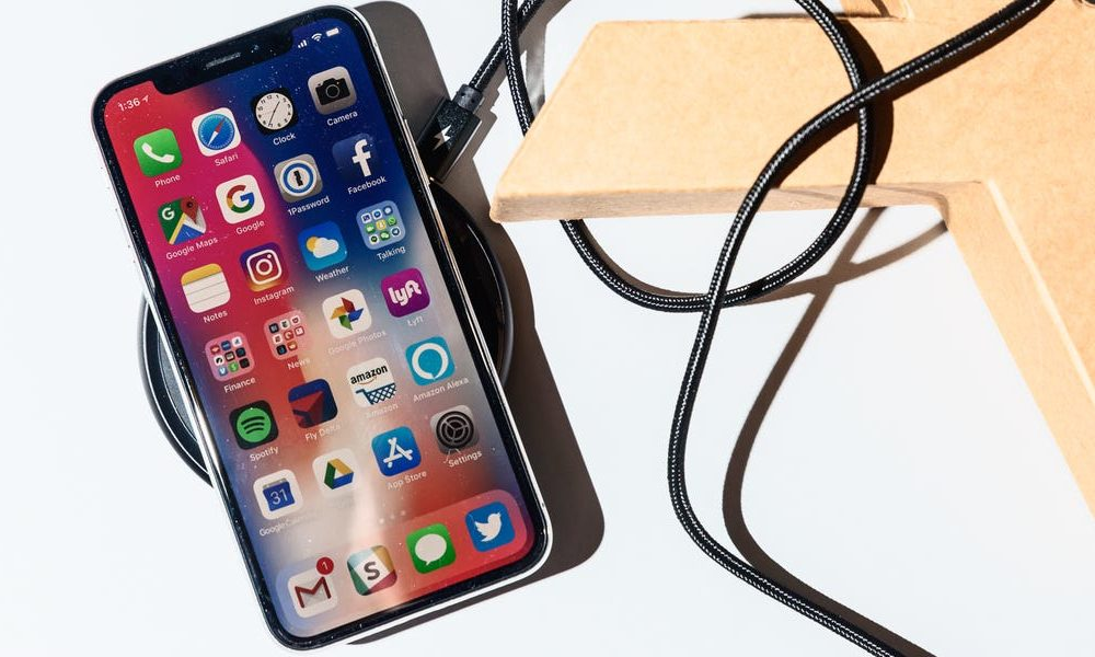 New tech  gadgets  gizmos  hi tech  Apple eliminated its plans to introduce an extremely anticipated iPhone device last year, however among the most accurate analysts says a comparable item may be on the way (AAPL)