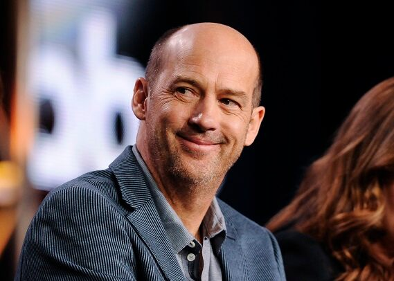 Gardening 'Leading Gun' star Anthony Edwards reveals how he's getting in touch with others in quarantine amidst the coronavirus pandemic